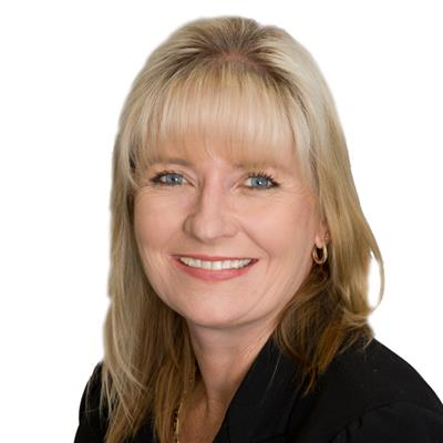 Melanie Hodder  : Attree Real Estate